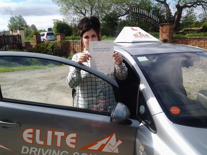 This is Jasmine Carter who took her driving lessons in Hull