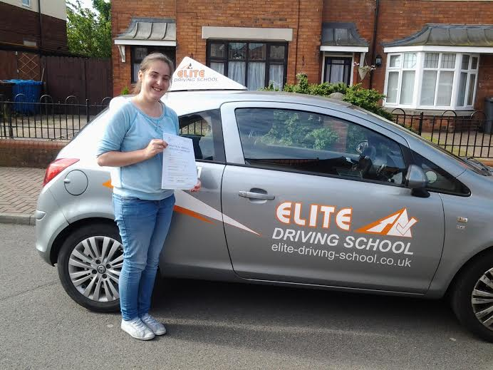 This is Paulina Zdanowska who took her driving lessons in Hull