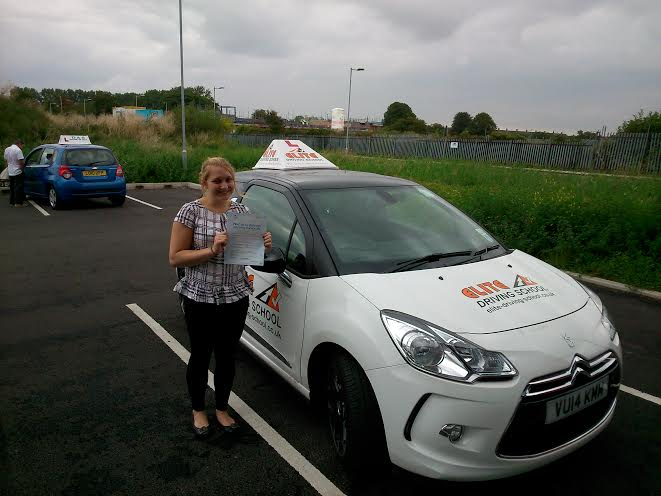 This is Shelby Wardrobe who took her driving lessons in Hull