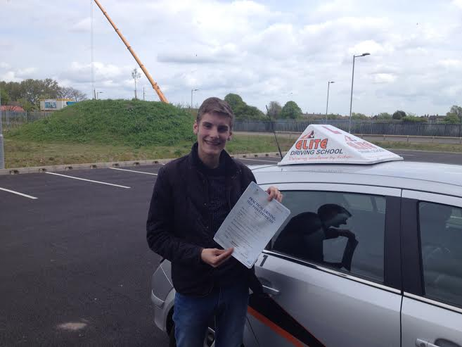 This is Thomas Dixon who took his driving lessons in Hull