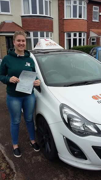 This is Nicole Gray who took her driving lessons in Hull