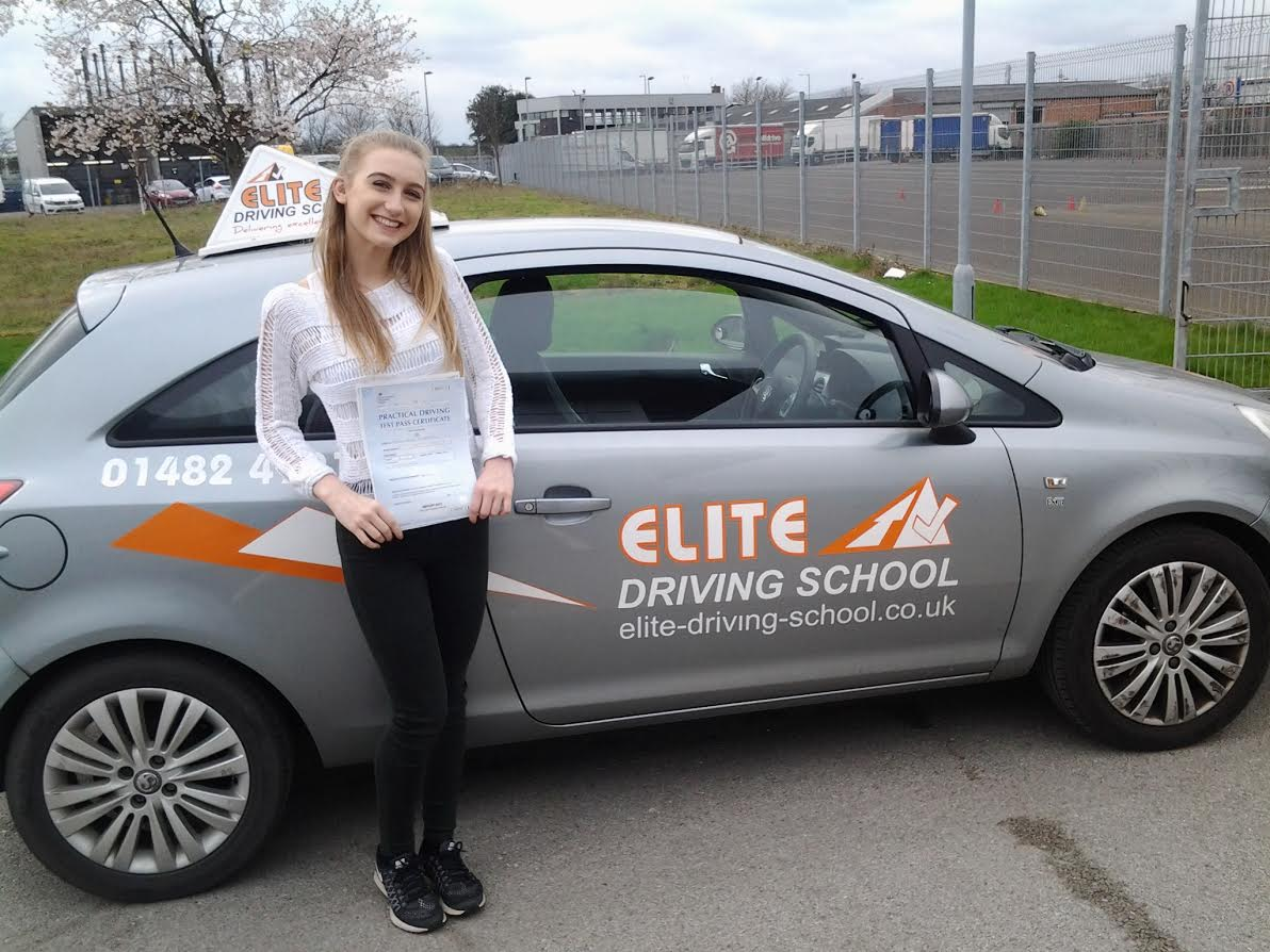 How Much Does it Cost for Driving Lessons in Hull